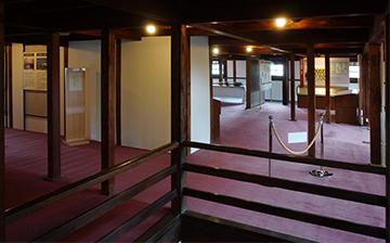 ↑開成館 2階全景。