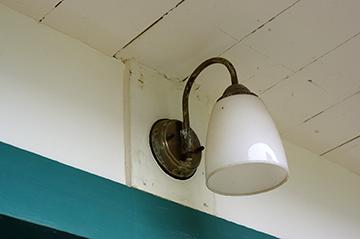 ↑開成館 外灯。